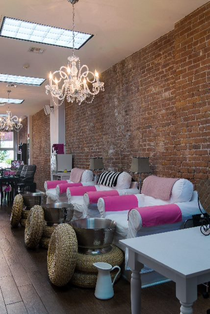 dailyfashionista gets nailed at the v spot nail spa in hoboken nj. Black Bedroom Furniture Sets. Home Design Ideas
