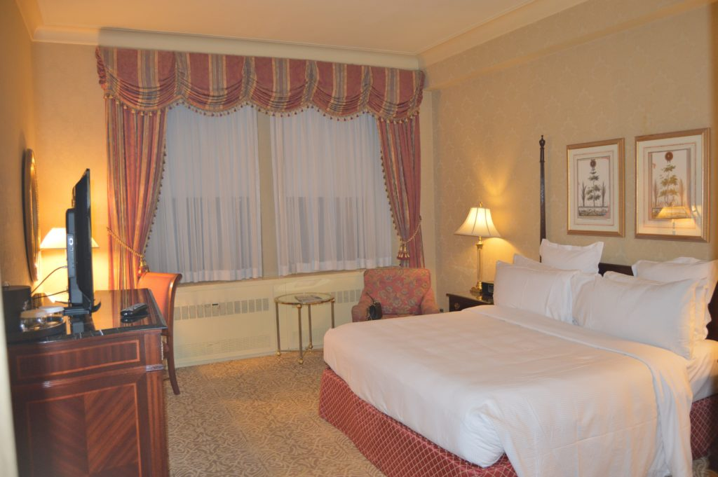 waldorf-new-york-hotel-room